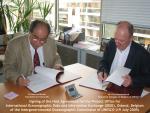 Signing Project Office agreement by Permanent Delegate of Belgium and dr Patricio Bernal
